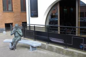 statue de Toots jj Procureur